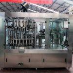 Màquina automàtica d'ompliment de líquids d'acer inoxidable per a oli / aigua purificada